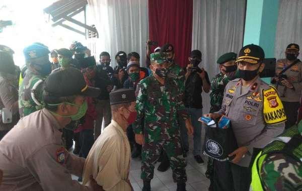 Alumni Akabri 89 Salurkan Bantuan Sosial Kepada Warga Desa Sukaluyu Bogor