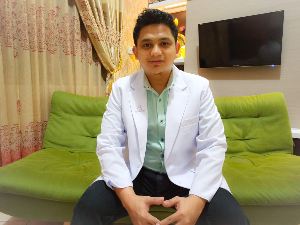 Dr. Yogi Irawan : Loper koran jadi Dokter - PENJURU.ID