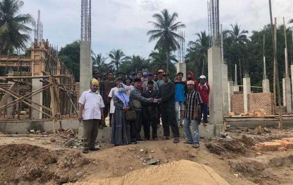DPC Demokrat Pandeglang Bagikan Paket Sembako dan Bantu Pembangunan Masjid di Cikeusik