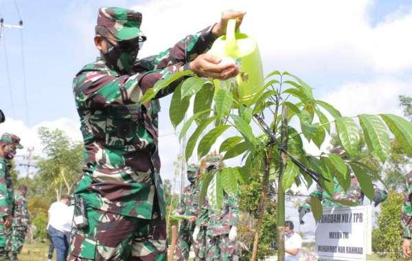 Hijaukan Kawasan Pontianak,Pangdam XII/TPR Gandeng Club' Pecinta Lingkungan