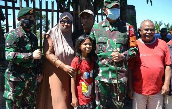 Satgas Yon Armed 9 Kostrad Menerima Kunjungan Kerja Pangdam XVI/Pattimura Di Pos Kalan Toboko