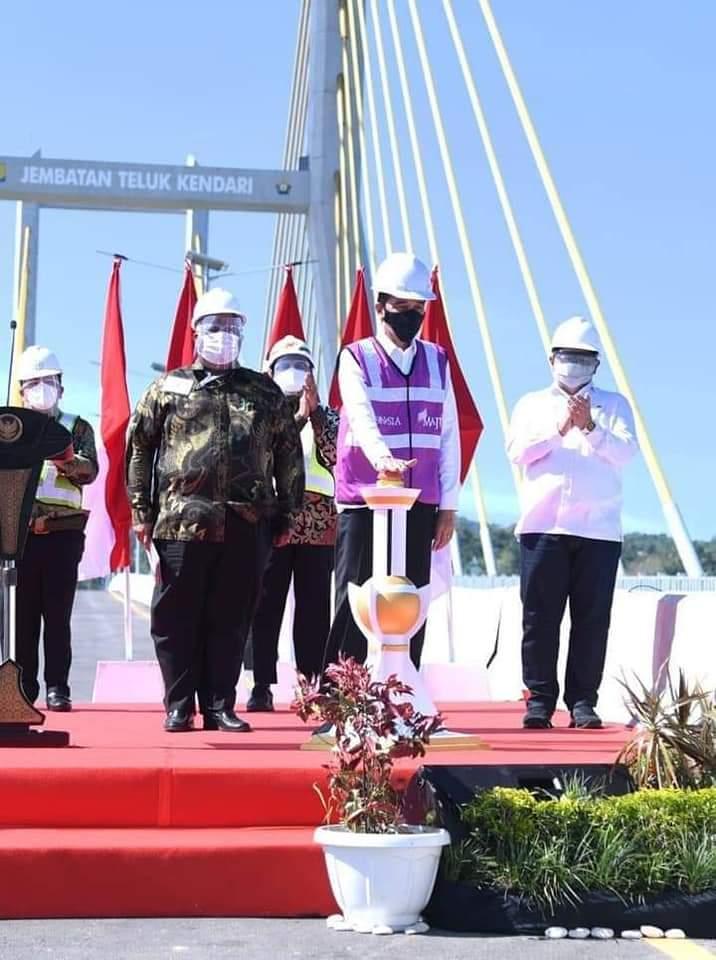 Presiden Joko Widodo Meresmikan Jembatan Teluk Kendari – Matajurnalisnews