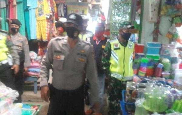 Jajaran koramil 426-01 Mesuji bersama Polres mesuji lakukan tindakan terhadap masyarakat yang tidak pakai masker