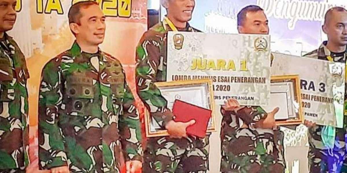 Tidak Hanya Rapat Evaluasi Penerangan AD, Kapendam Hasanuddin Juga Boyong Hadiah
