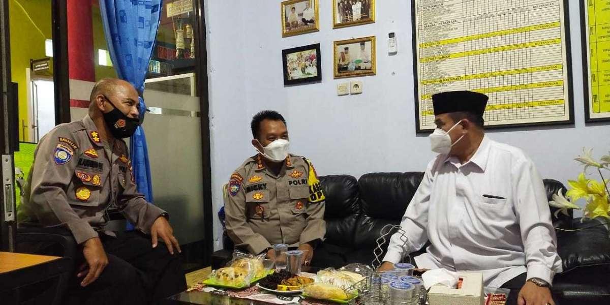 Pererat Silaturahmi dengan Ulama, Dirbinmas Polda Banten Kunjungi KH. Ahmad Rafiudin S. Ag
