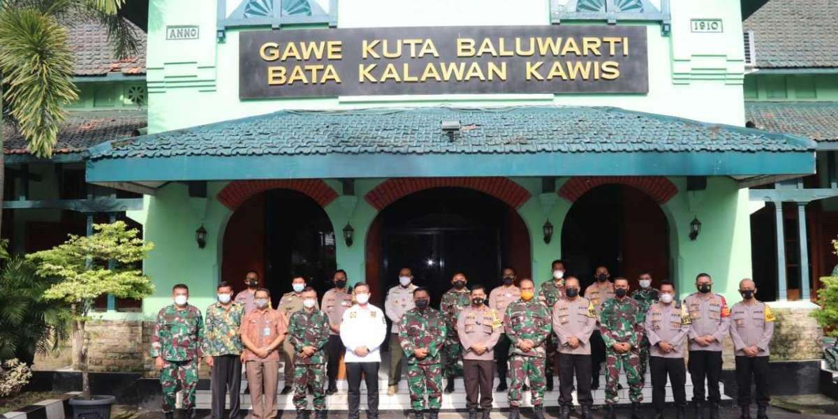 Wakapolda Banten Hadiri Rakor PPKM Skala Mikro di Korem 064 Maulana Yusuf