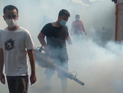 Cegah Merebaknya Demam Berdarah, Yayasan YKPI Bersama Federasi Pekerja Industri Lakukan Fogging