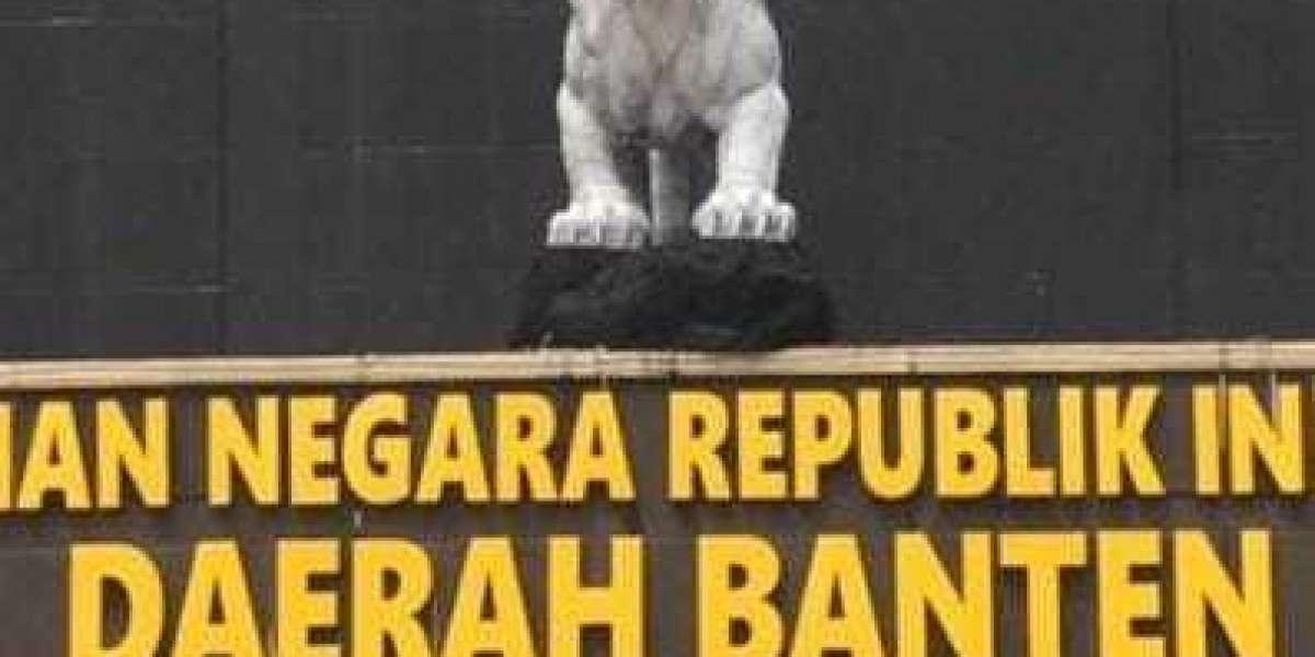 Monumen Maung Polda Banten Baru Lebih Putih dan Cerah