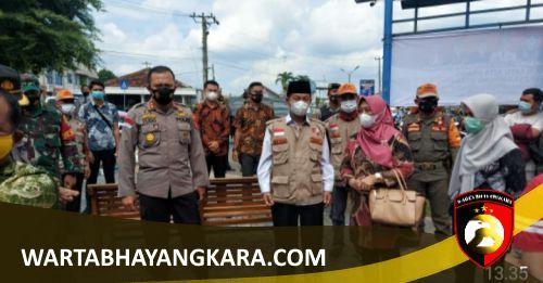 Jelang HUT Bhayangkara Ke- 75, Polres Lampung Utara Bersama Dinkes Gelar Vasinasi Massal Serentak di 29 Lokasi - LAMPUNG